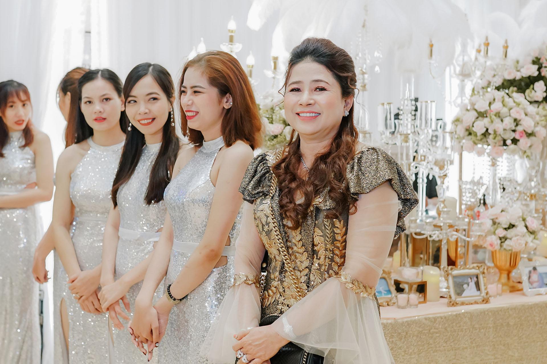 Doanh Nhân Nguyễn Thị Nhì 6